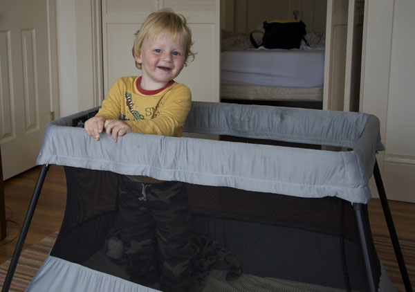 Choosing-a-travel-crib-lead
