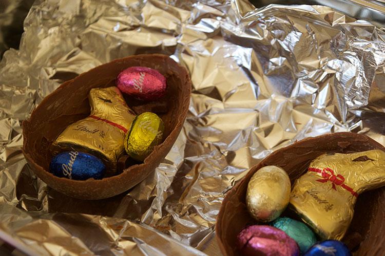 Filling-easter-eggs