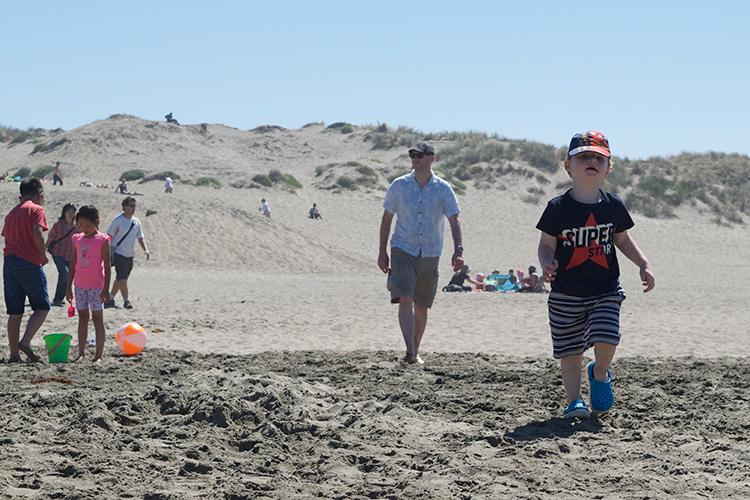 36_52-At-the-Beach