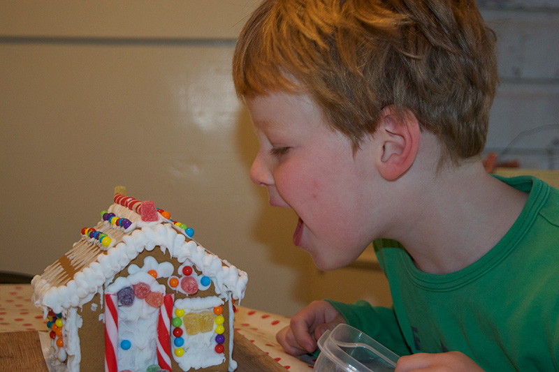 Gingerbread-House-5