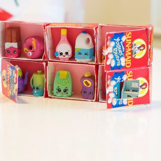 Make a Shopkins Shopfront with Recycled Raisin Boxes